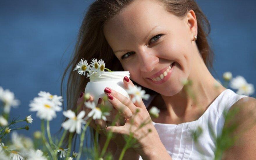 KONKURSAS! Atsakyk į klausimus teisingai ir laimėk kosmetikos rinkinį atostogoms! Skelbiami nugalėtojai