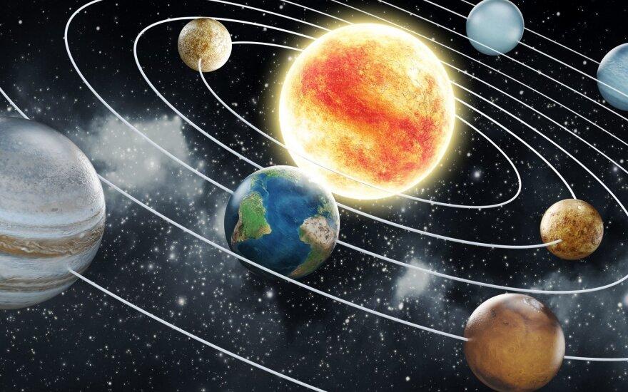 Kas slepiasi Jupiterio magnetiniame lauke?