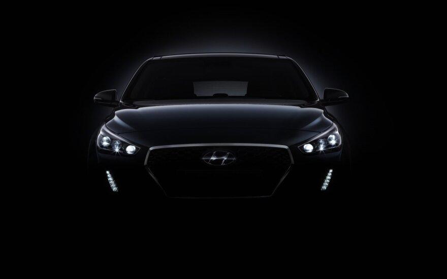 """""""Hyundai Motor"""" profsąjunga surengė pirmą visuotinį streiką per 12 metų"""