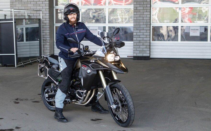 T. Gelžinis leisis į kelionę aplink pasaulį BMW motociklu