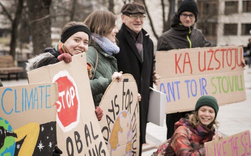 Keli šimtai protestuotojų didmiesčiuose sieks atkreipti dėmesį į klimato kaitą