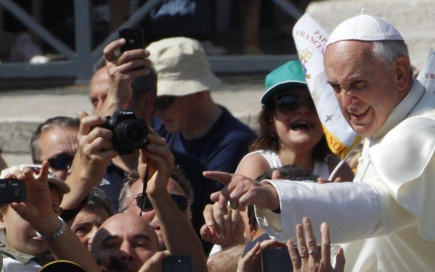 """Popiežius palaimino šimtus tūkstančius """"Harley-Davidson"""" ir jų šeimininkų"""