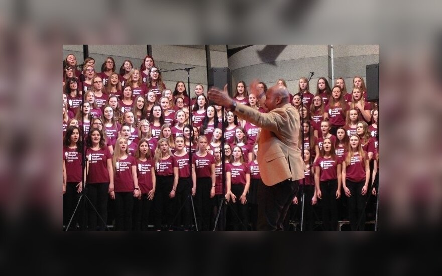 Gerald T. Smith (USA) with Lithuanian youth choir singers 1