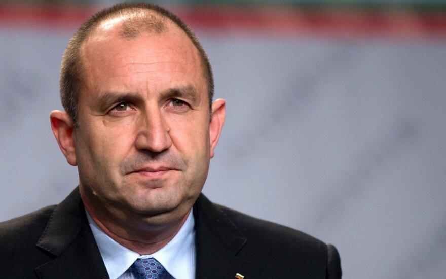Bulgarijos prezidentas vetavo brangių amerikietiškų naikintuvų F-16 įsigijimą