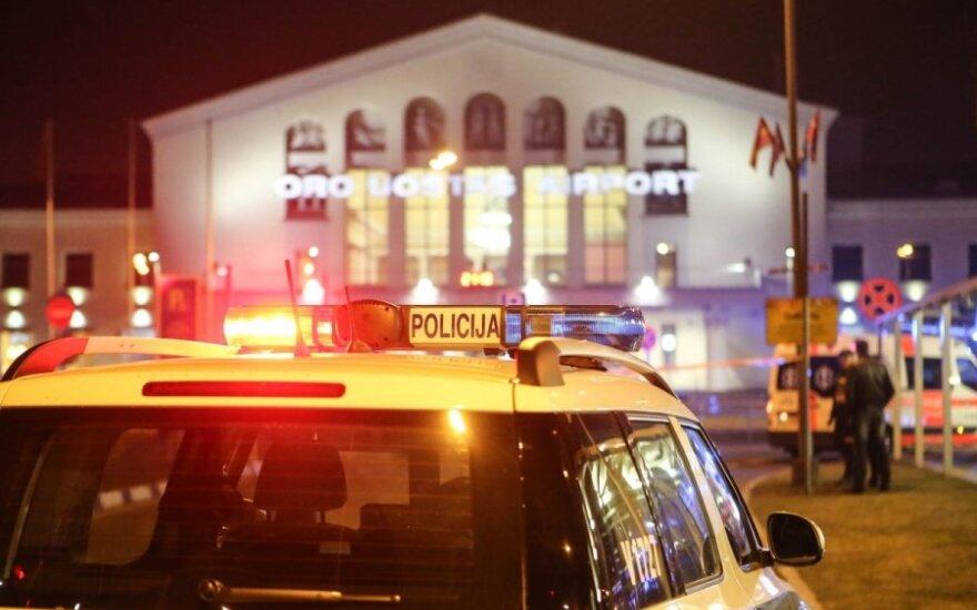 Visos tarnybos sulėkė į Vilniaus oro uostą, evakuoti žmonės