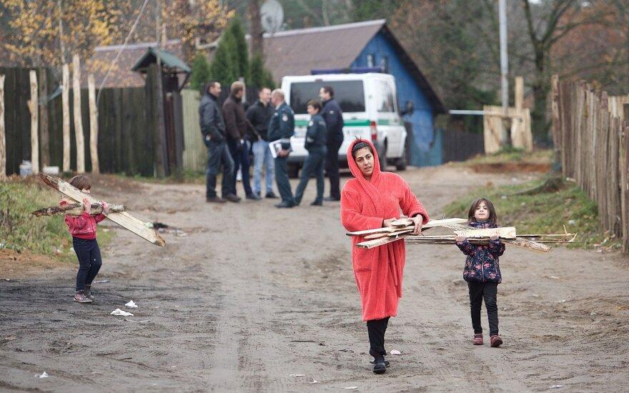 Demonstration in Vilnius Roma settlement raises drug abuse awareness