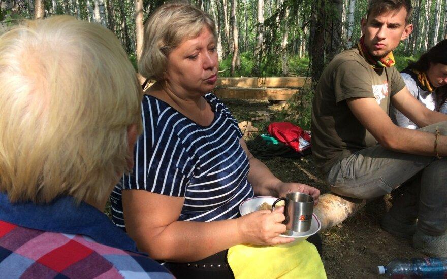Atšiauriame Rusijos krašte gyvenanti Viktorija lietuviui tėčiui rašydavo dvejetus