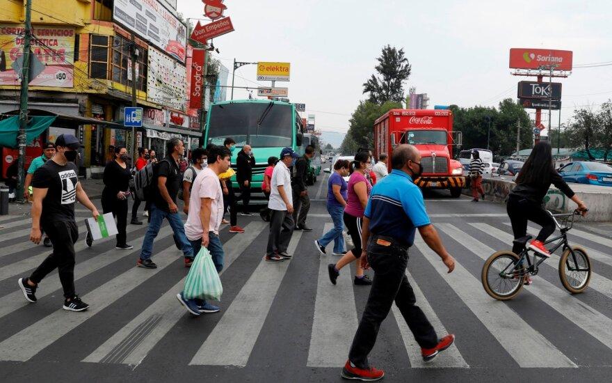 Meksikai gresia didžiausia ekonominė griūtis nuo 1932 metų