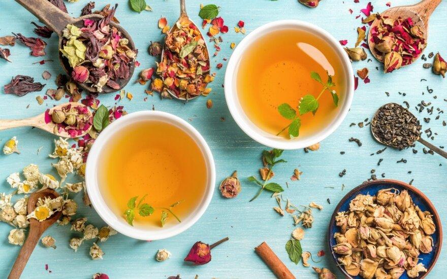 Metas popiečio arbatai: patys skaniausi saldumynai prie jos