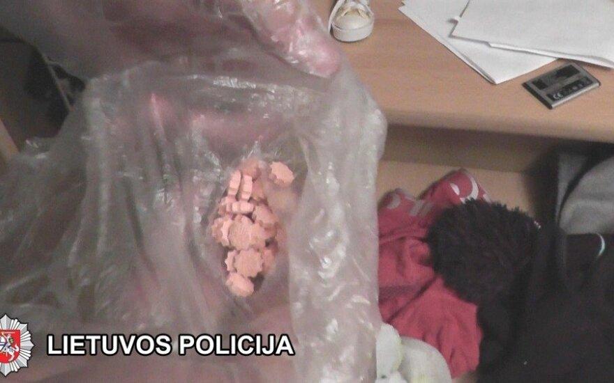 Klaipėdiečių pora vaikų namų auklėtinę pavertė prostitute