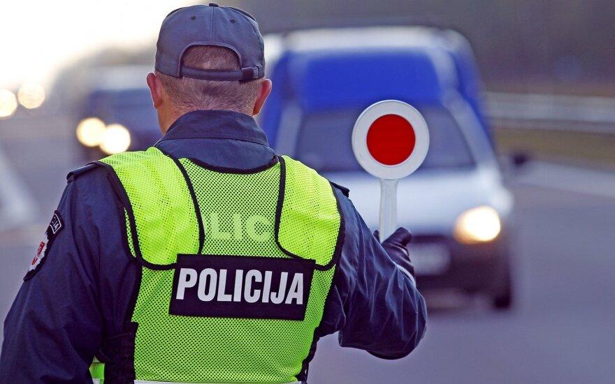 Pareigūnai tikrins vairuotojų blaivumą