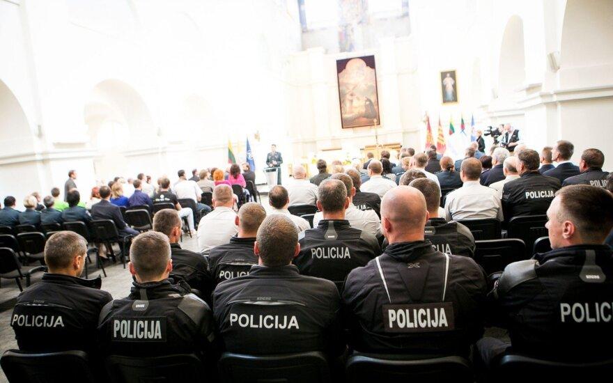 """Policijos veteranus žeidžia gąsdinimai """"policine valstybe"""""""