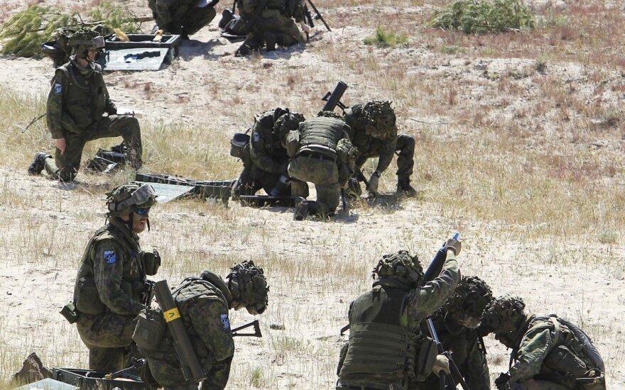 Baltijos šalys nerimauja: ar NATO dislokuojamos pajėgos pajėgs apginti nuo Rusijos?