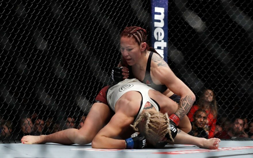 MMA kova, Cris Cyborg ir Jana Kunickaja