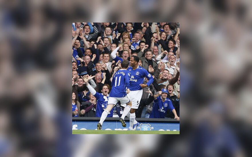 """Liverpulio """"Everton"""" futbolininkai džiūgauja po įvarčio"""