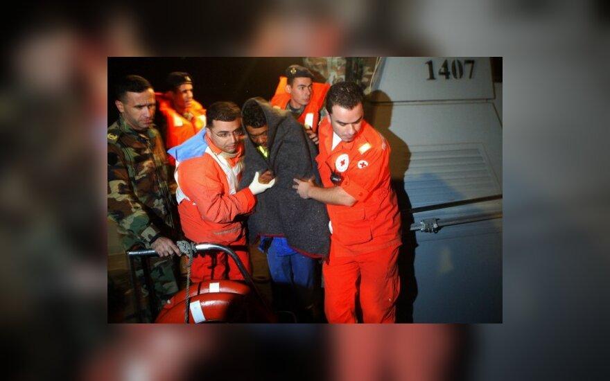 Prie Libano nuskendo laivas su daugiau kaip 80 žmonių