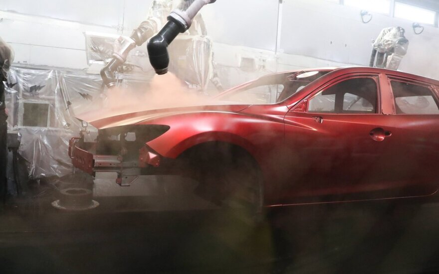 """""""Mazda"""" gamykla"""