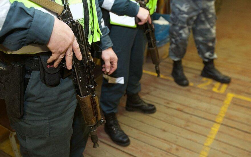Seimas nustatė, kokiais atvejais policija galės panaudoti šaunamąjį ginklą