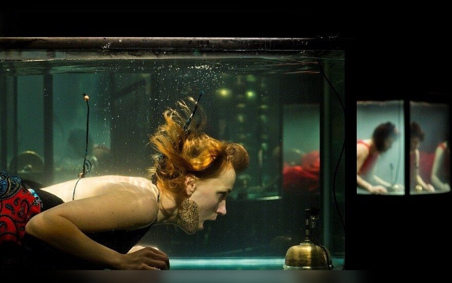 "Spektaklio ""AquaSonic"" akimirka"