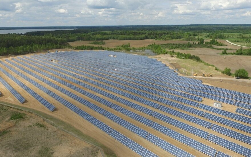 Pradėjo veikti didžiausia Baltarusijoje saulės elektrinė