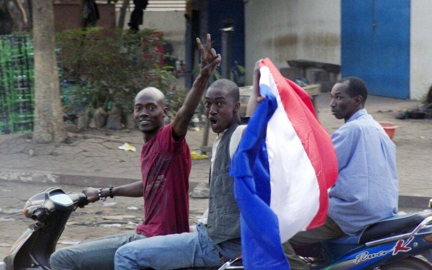 Prancūzijos ir Malio kariai atkovojo iš sukilėlių antrąjį miestą