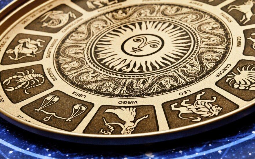 Astrologės Lolitos prognozė vasario 16 d.: atsiveria naujos progos ir galimybės