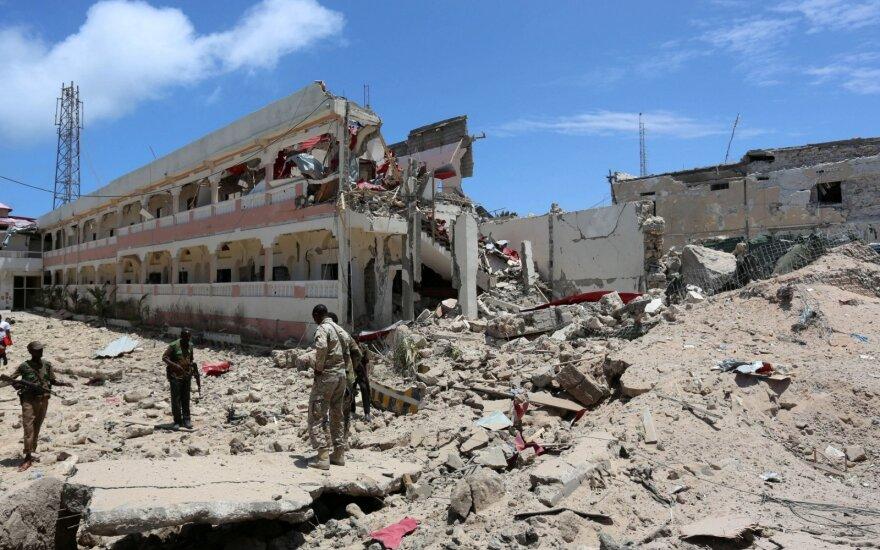Somalio sostinėje per išpuolį viešbutyje žuvo penki žmonės