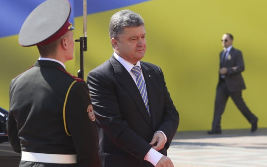 Po derybų su Maskvos ambasadoriumi – P. Porošenkos pažadas