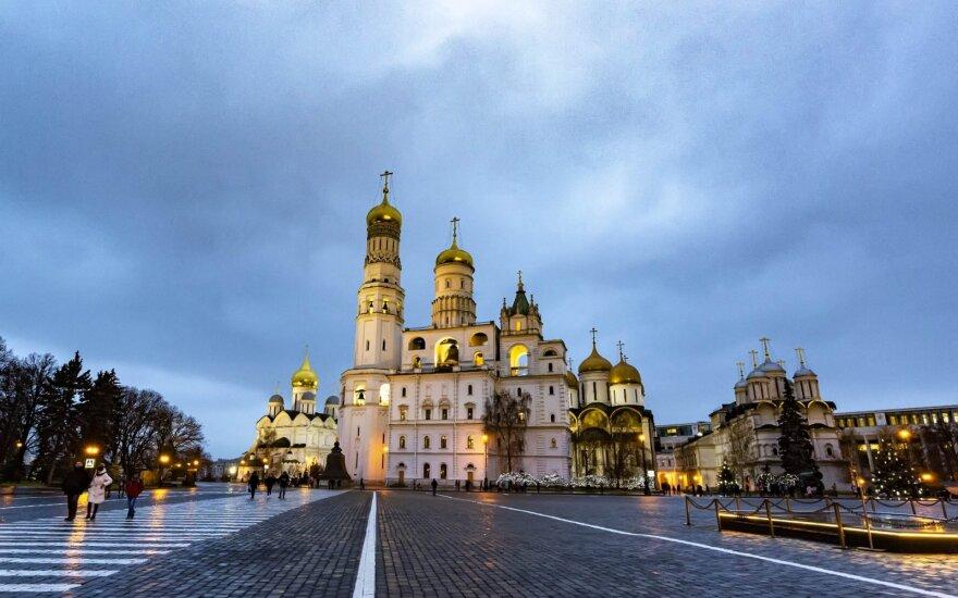 Tūkstančiai darbuotojų migrantų įstrigo Rusijoje: pinigus turi siųsti namiškiai
