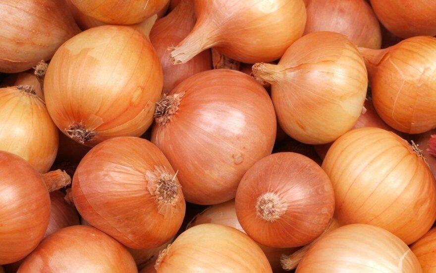 Perskaitę tai, daugiau niekada neišmesite svogūnų lukštų