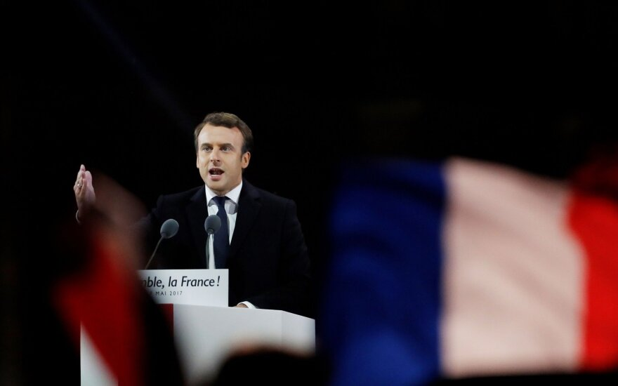 E. Macrono delivering his victory speech in Paris