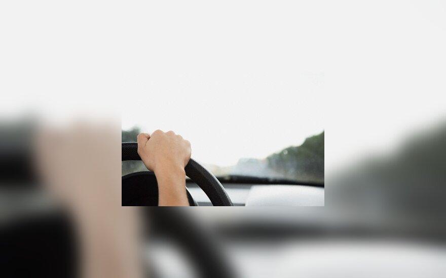 """Vairuotojams siūlomas """"mobilus kasko"""" draudimas"""