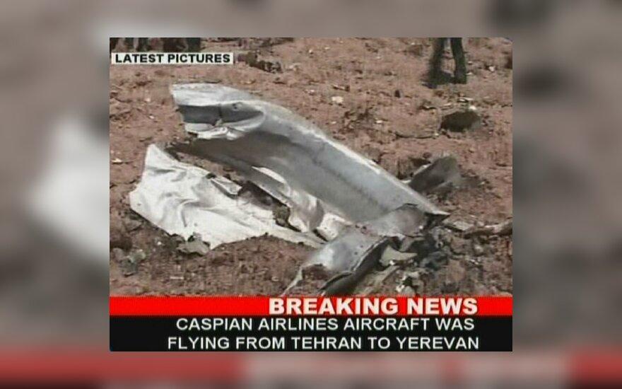 Irane nukrito į Armėniją skridęs lėktuvas su 168 žmonėmis