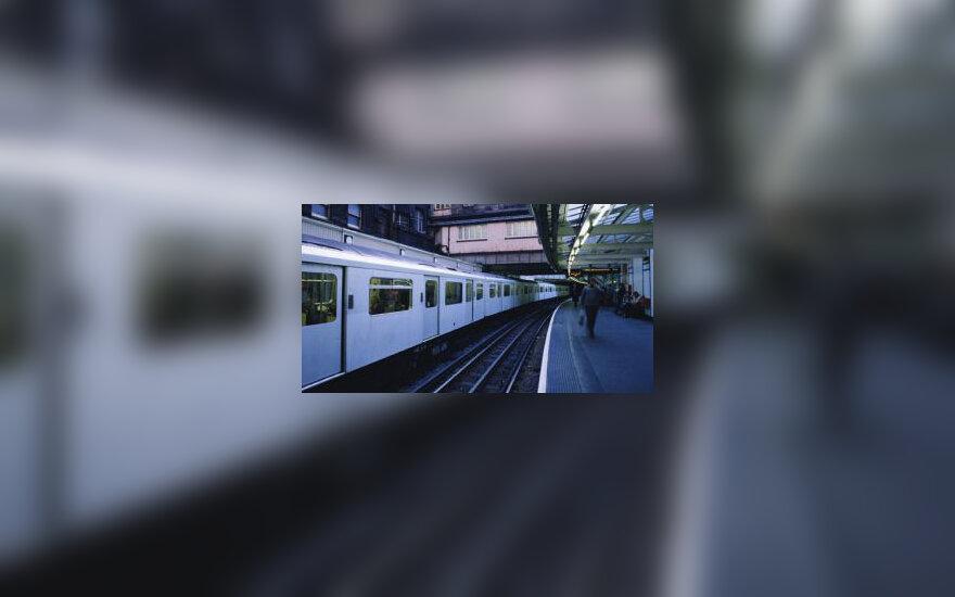 Train in London metro