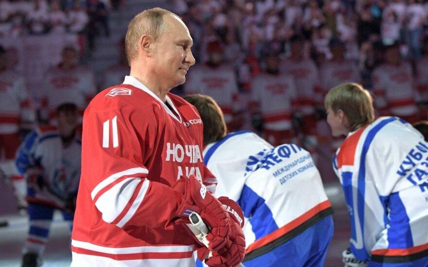 Rusai triumfuoja: pasaulio ledo ritulio čempionatas vyks jų šalyje