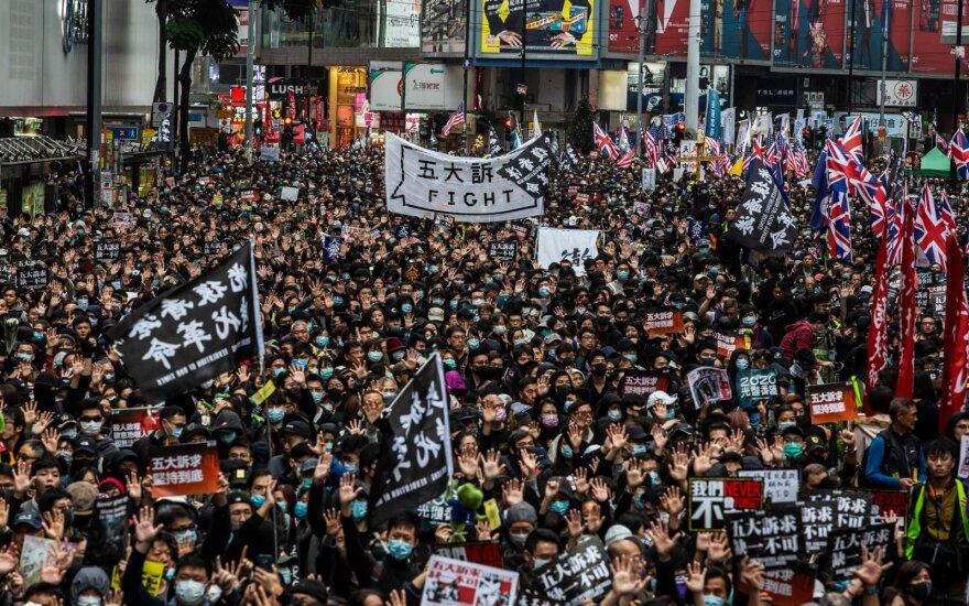 Pirmajame metų proteste Honkonge dalyvavo per milijoną gyventojų