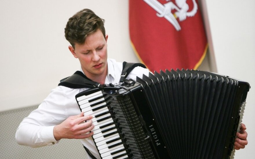 """M. Levickis: akordeonas visai nėra """"garmoškė"""""""