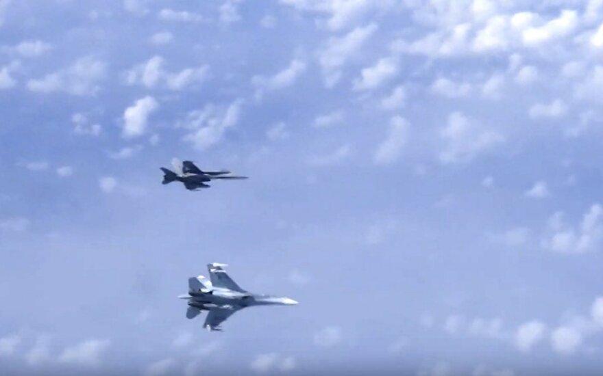 Ispanų F-18 ir rusų Su-27 virš Baltijos jūros