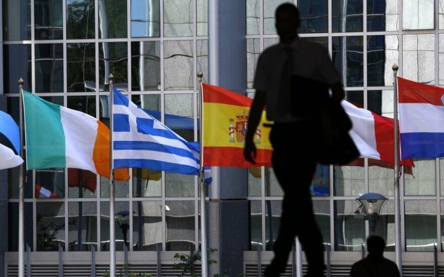 Atostogų nuotaikomis gyvenantys europarlamentarai šią savaitę dar turės daug darbų