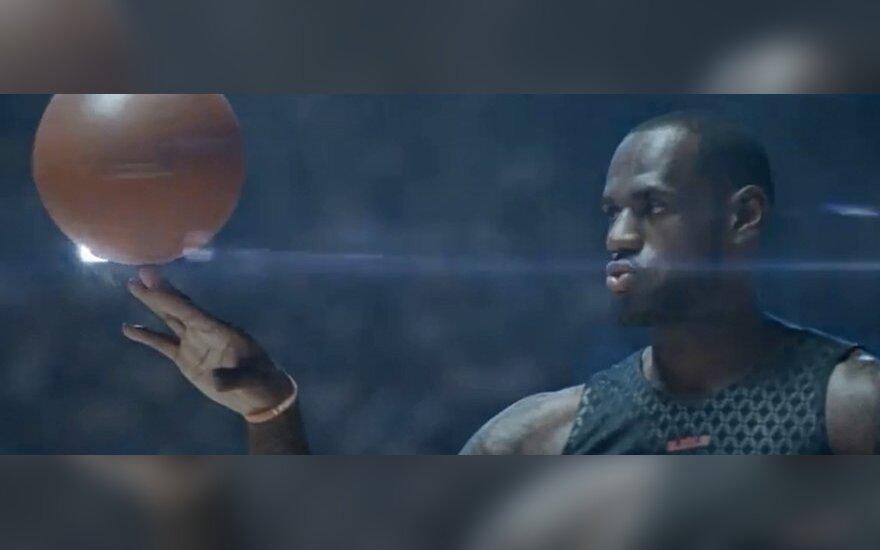 """LeBronas Jamesas """"Nike"""" reklamoje"""