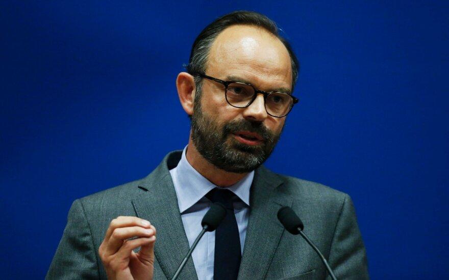 Premjeras: Prancūzijos valdžia neveiksmingai sureagavo į riaušes sostinėje