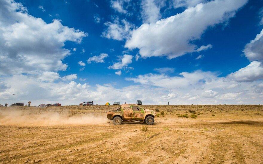 Sėkmingiausiai po aštuonių etapų Dakaro ralyje iš lietuvių važiuoja Žalos ir Jurgelėno ekipažas
