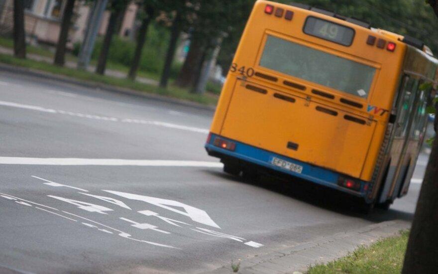 Moterų pokalbis autobuse sukėlė gėdą už Lietuvą