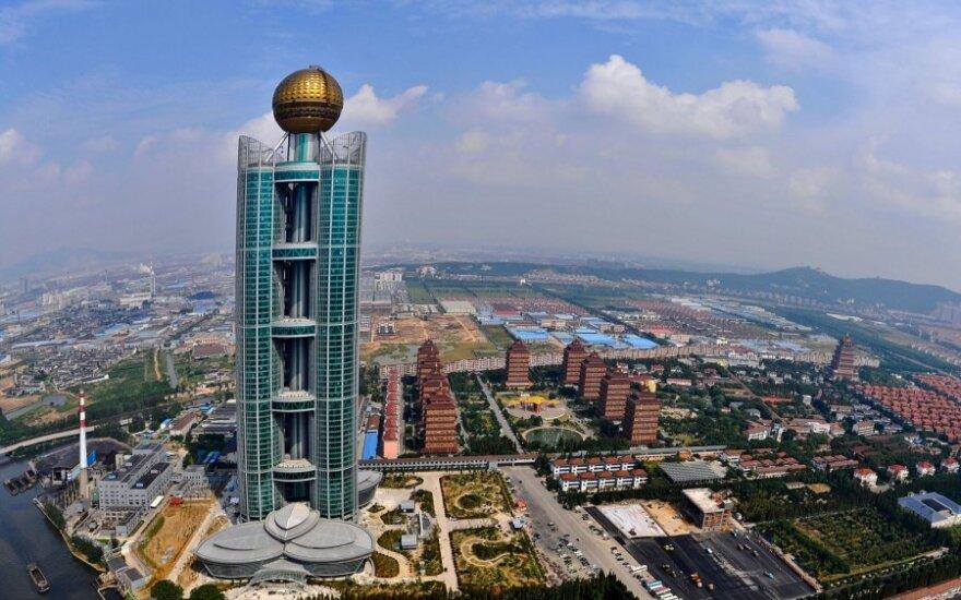 Dangoraižis turtingiausiame Kinijos kaime Huaxi