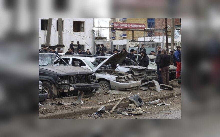 Dagestano sostinėje Machačkaloje mirtininkui susprogdinus automobilių inspekcijos pastatą, žuvo mažiausiai 7 žmonės