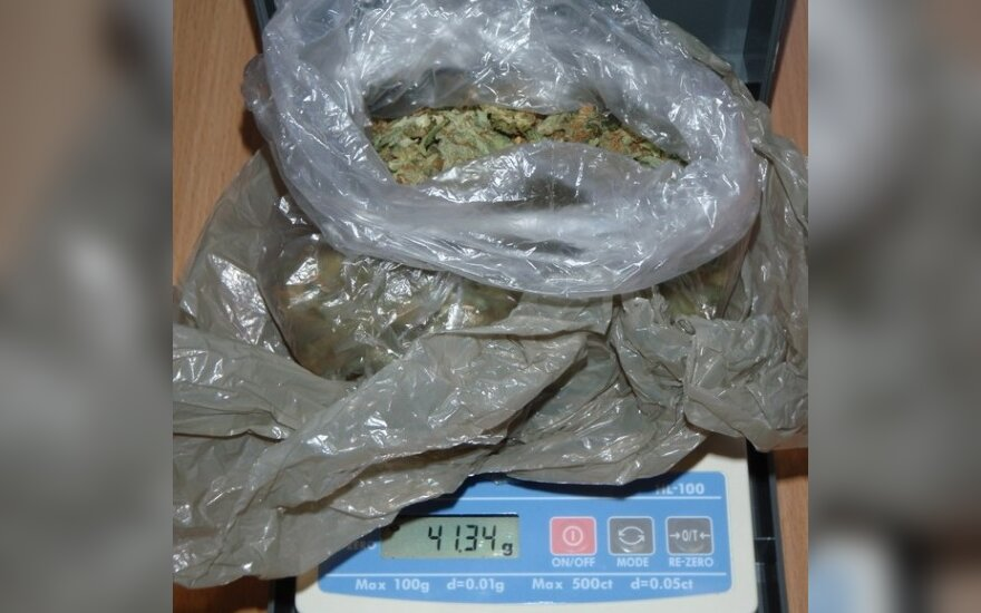 Policija trečią kartą sulaiko teismo nesulaukiantį narkotikų platintoją