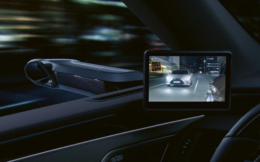 """""""Lexus"""" pristatė ES modelį su kameromis vietoje veidrodėlių"""