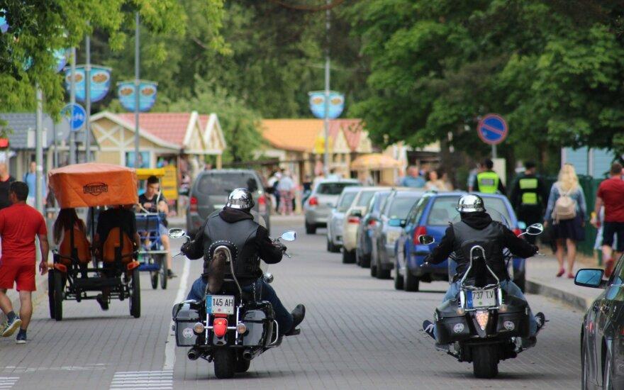 Poilsiautojai plūsta į pajūrį: patrauklūs pasiūlymai nyksta beregint – nuomos kainos nuo 50 iki 600 eurų už parą