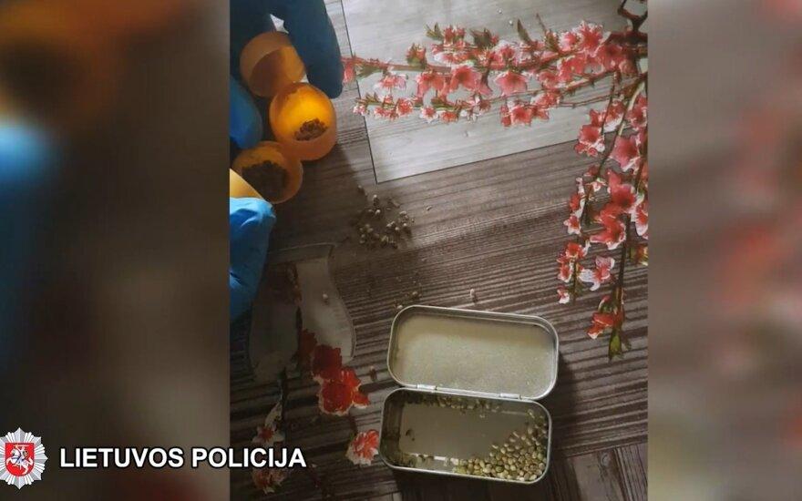 Šalčininkų policija sulaikė du narkotinių medžiagų platintojus, vienas jų – ugniagesys gelbėtojas