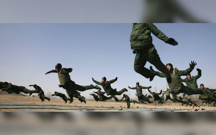 Japonija: Kinijos karinių lėktuvų provokacijos pasiekė rekordą